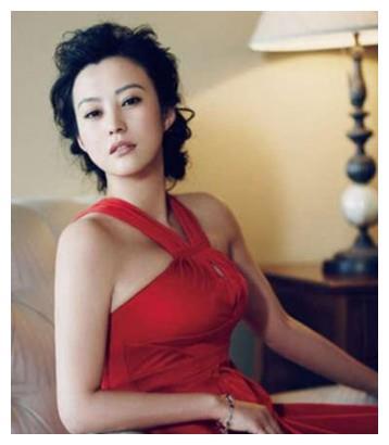 她是邓超前女友,二婚嫁刘烨生双胞胎,今40岁依旧优雅有气质!