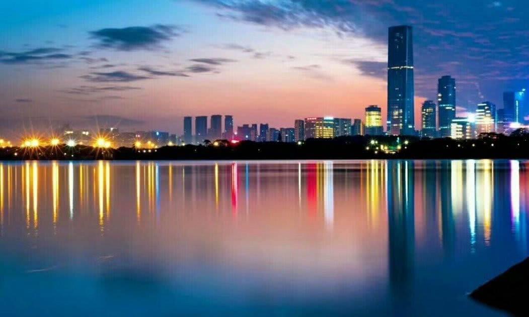 北上广深最发达的城市,全是一线城市,夜景哪个城市最迷人?