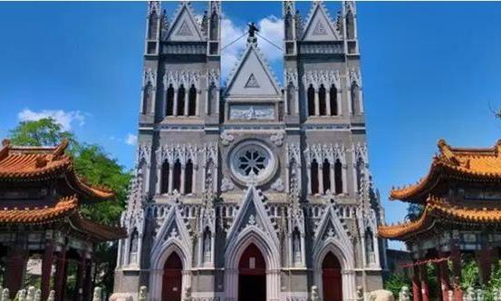 暑假北京旅游地:西什库教堂,798艺术区,慕田峪,红螺寺