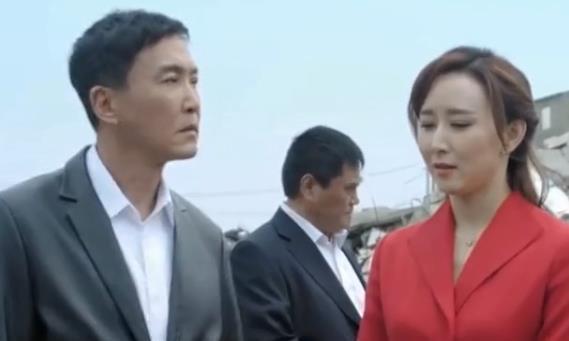 胡静成名后嫁给了首富 丈夫为不打扰她自愿做手术 如今生活甜蜜