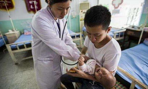 冬季宝宝为何总是腹泻?宝爸宝妈看过来!五种方法教你止住腹泻!