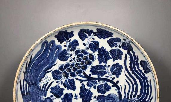 年底参观陶瓷展会,作品给人以质朴,高贵典雅庄重之感,雅趣盎然