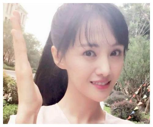 女星的贤妻良母形象,杨幂唐嫣刘诗诗赵丽颖,你觉得谁是最佳典范