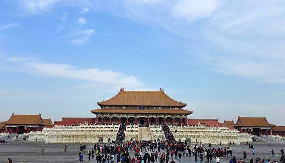 紫禁城的朱墙黄瓦光彩夺目,让人向往那庄严和神秘