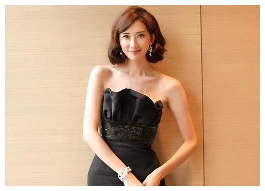 继林志玲之后,刘恺威正式宣布王鸥新身份,网友:跟想象的一样