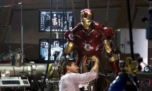 复联3:钢铁侠为何被灭霸吊打?只因为少了一样东西,铁粉才懂!