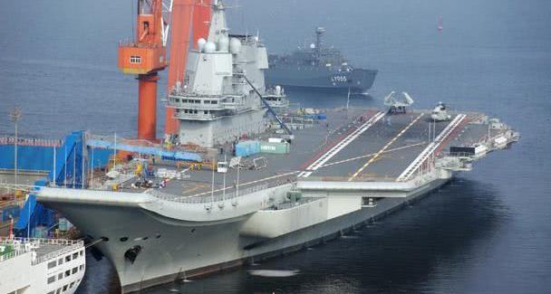 国产航母服役慢?福特号13年仍未形成战力,肯尼迪号7年才下水