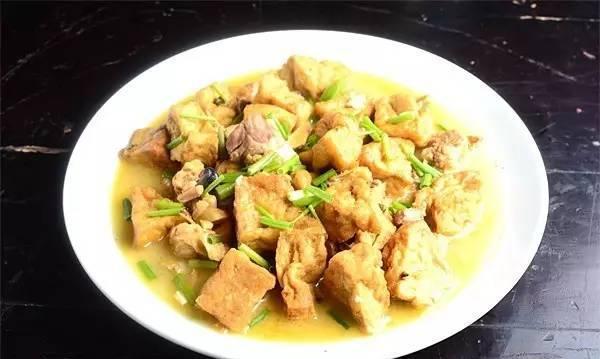 「川菜」灰豆腐果焖鸡