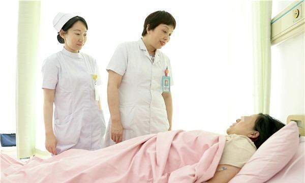 心真大!高龄孕妇腹痛当胃痛忍一天,原来是子宫破裂