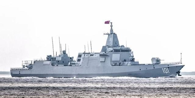 055型驱逐舰出海尾部甲板搭载卡28,与直20相比谁反潜更强?