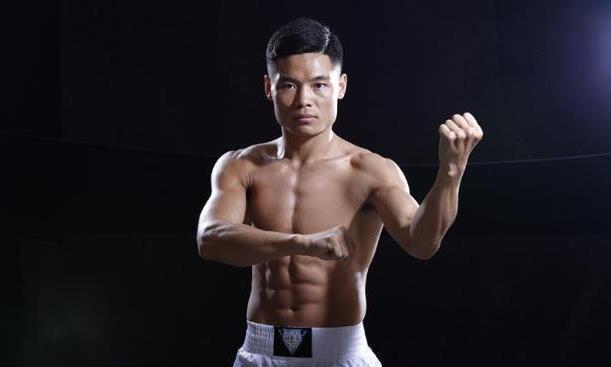 太极韩飞龙:没在陈家沟听说过点穴大师,我主要练的是擒拿和摔法