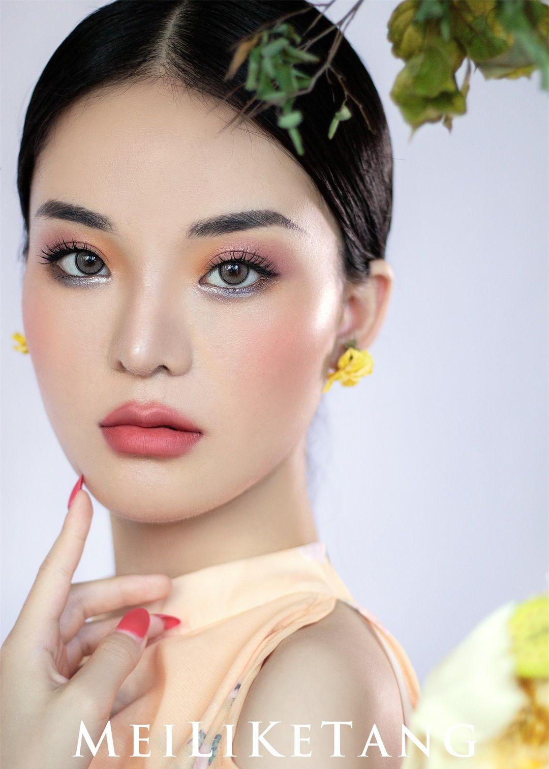 童婷美丽课堂:时尚简约视觉系拍啥妆容造型
