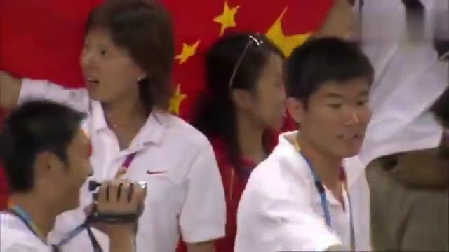中国奥运历史上最重的一块金牌 !刘翔在雅典奥运会上精彩表现