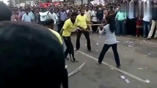 这就是印度的武术表演,不吹不黑,大家觉得怎么样?