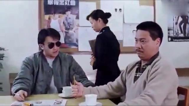 周星驰和吴孟达真是天生好搭档,一个升职另一个失恋,太逗