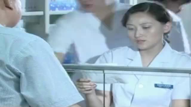 小伙去医院买药,美女竟让小伙买床被褥,小伙纳闷褥子也能治病?
