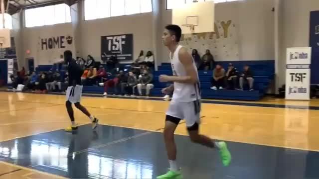 场均27分11篮板小姚明美国高中联赛最佳大个球员