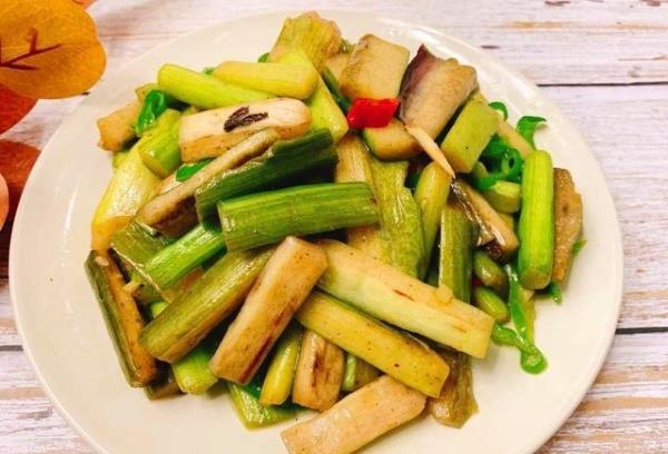 9月,别错过这蔬菜,5毛1斤,每周吃2次,能预防虫牙和口臭