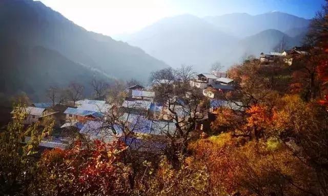 深藏在滇西北大山里的 美丽藏族小村落