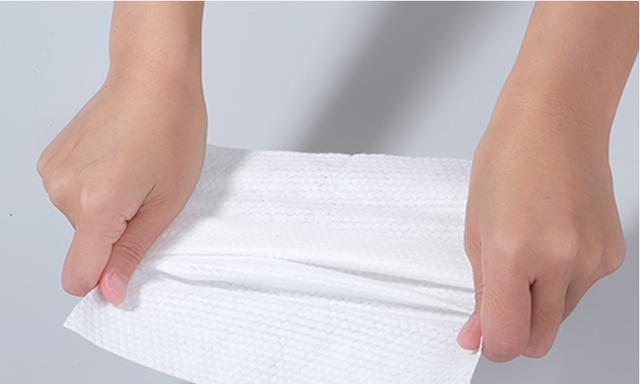 宝宝湿巾怎么挑选?婴儿湿巾使用小tips