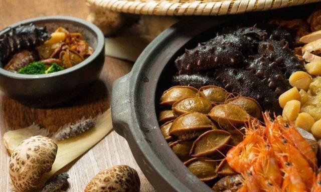 乾隆皇帝赐名的一道菜,又以胡适先生命名,被称为徽菜中的佛跳墙