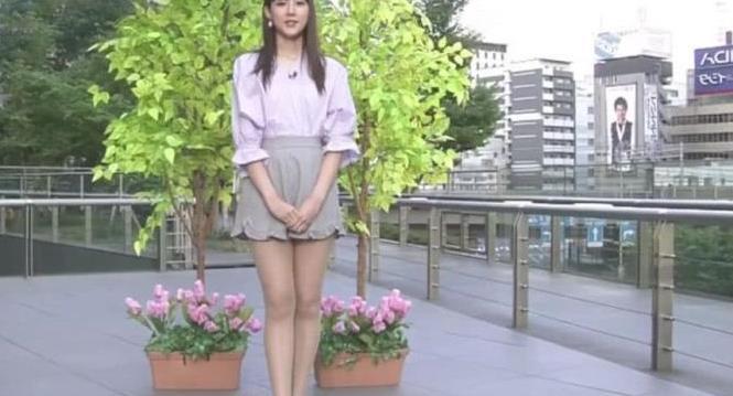 """日本气象台火了,仅因女主持的""""蜜汁腿"""",撑起全台收视率!"""