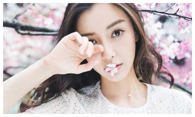 明星英文名,杨颖普通,陈坤绅士,艺兴搞笑,最奇葩的是她!