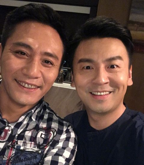 刘烨和谁合影都是笑成一朵花,和他却一脸怪相,网友:好基友啊!