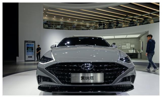 全新索纳上海车展亮相,全新设计,尺寸加长,溜背堪比奥迪A7