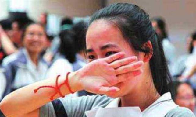 我国高考史中难度最大的三次数学考试,很多考生忍不住哭了