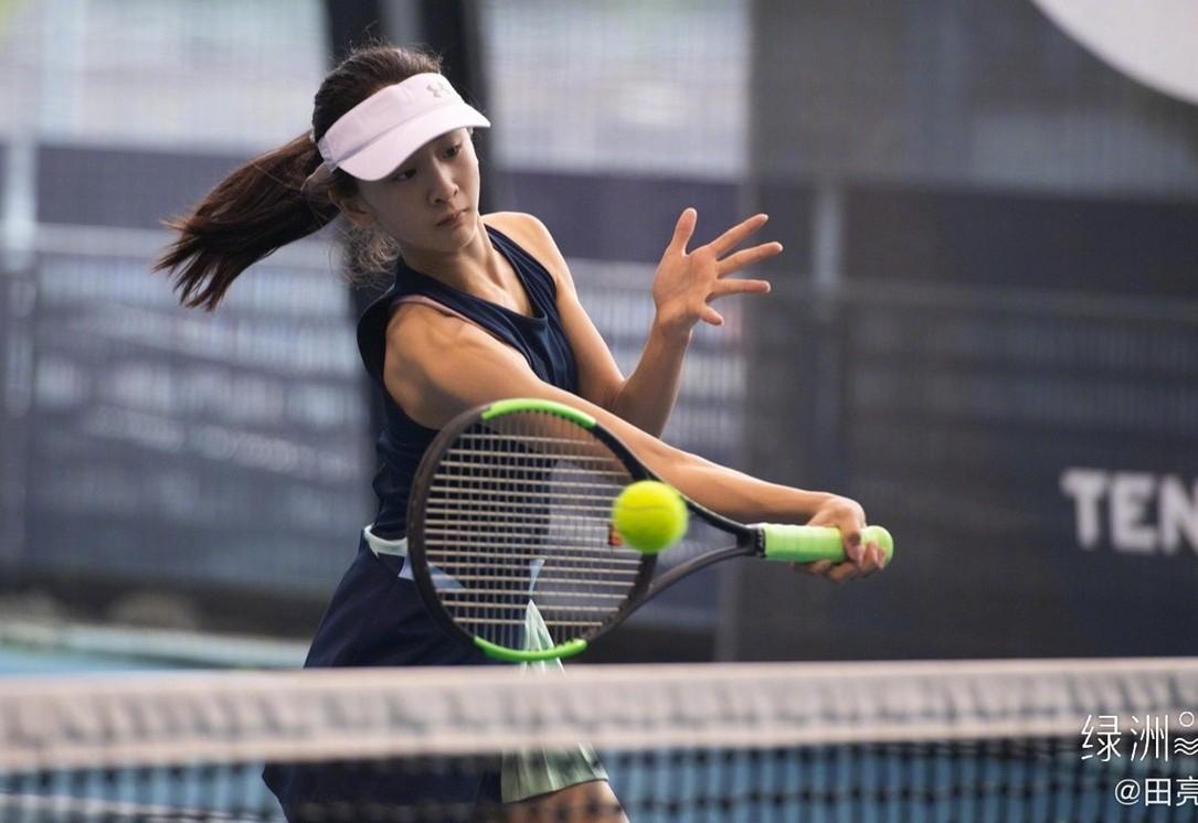 田亮女儿森蝶长大了!网球美少女成热搜