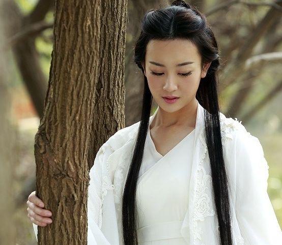 六位王语嫣的扮相,刘亦菲最美,刘诗诗最有气质,而她才是经典