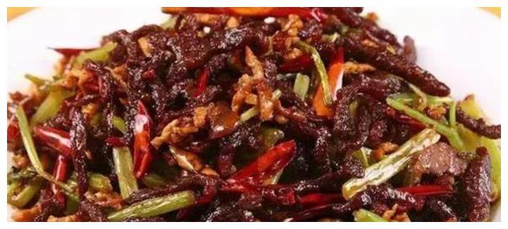 清清爽爽很开胃的几道美食,色香味浓,是待客必备的硬菜