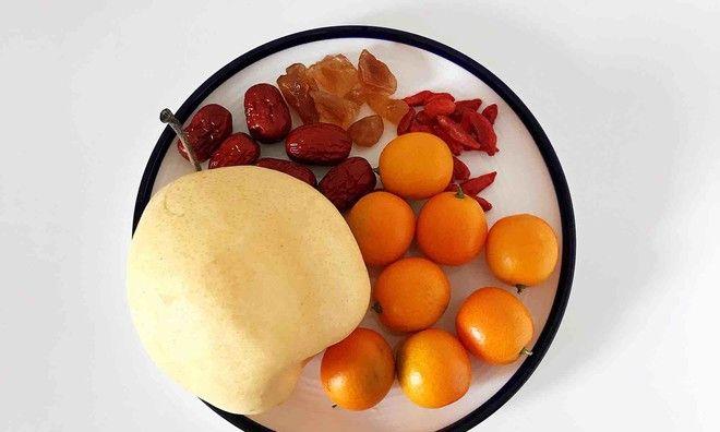 滋阴润肺止咳,健胃消食的冰糖雪梨金桔饮,秋冬必备的小甜汤!