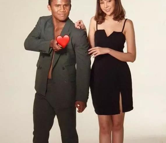 这位日本女子,婀娜多姿小鸟依人,是不是泰拳王播求的女朋友?
