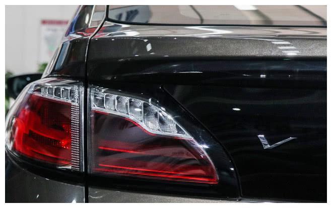 这款国产实力车型,宝马X6大溜背式设计,搭配日产三大件
