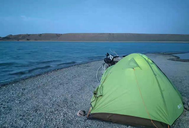 走出嘉峪关,带着黑山湖,今天没什么好说的,这些风景我们来看看