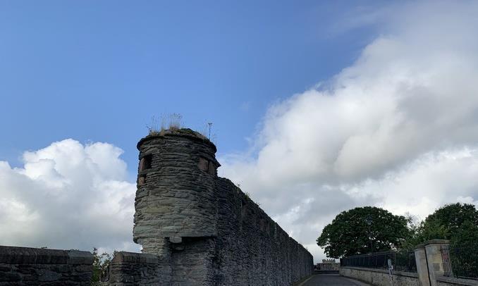 要旅行就要来爱尔兰,这里的城堡有一个悲伤故事,但丝毫不影响美