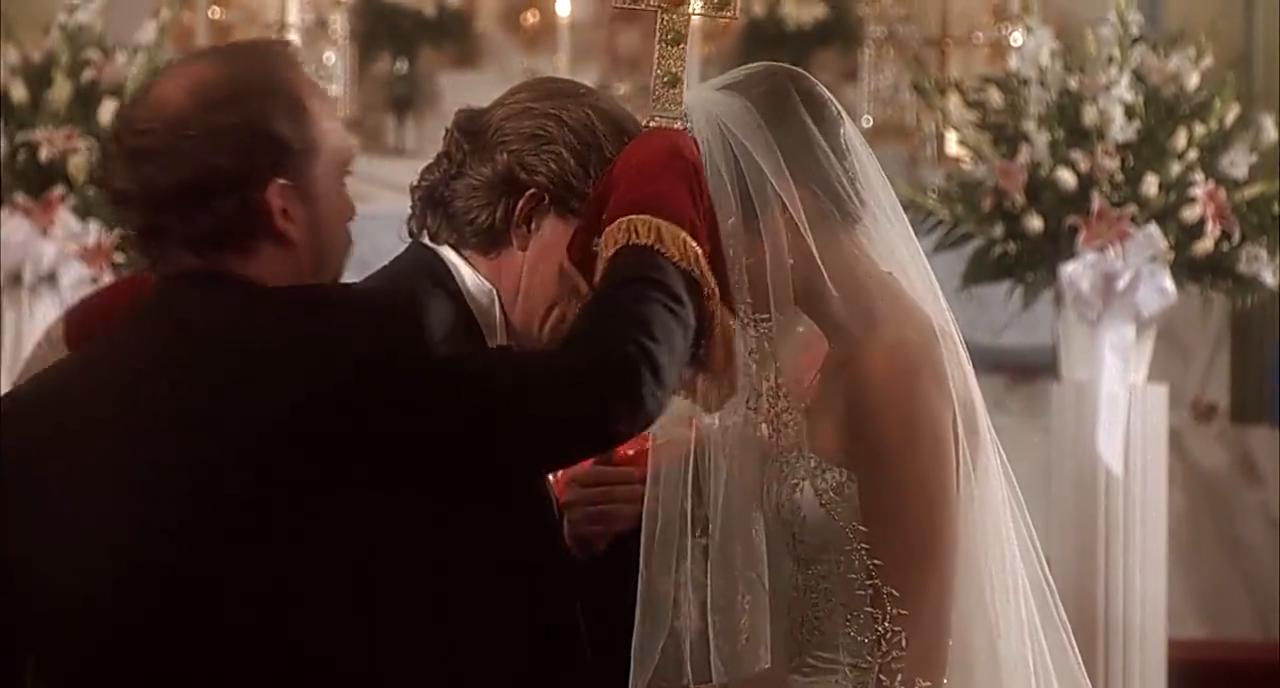 卷毛结婚了,在婚礼的教堂上,和他结婚的是这个女人