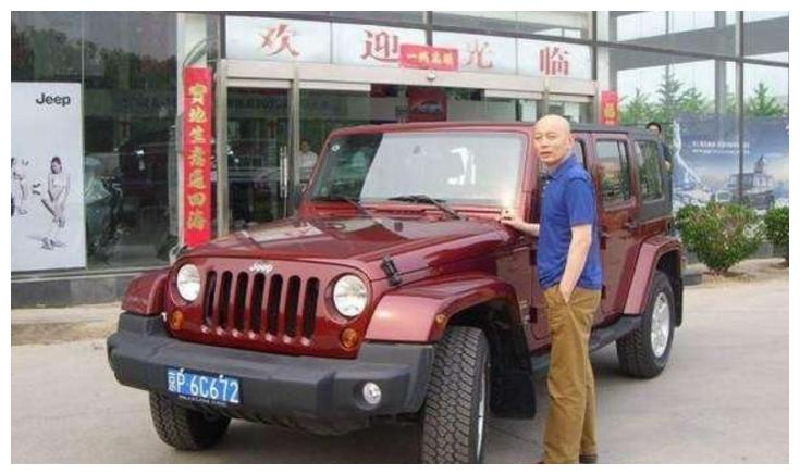 林青霞的座驾,刘诗诗的座驾,李晨的座驾,你认为谁的最霸气呢?