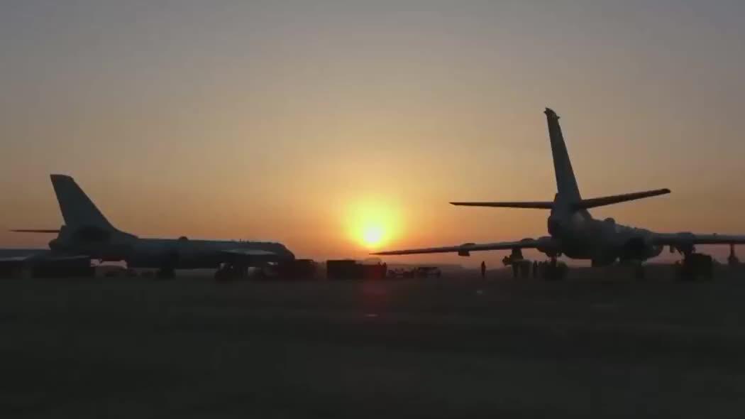 中国空军轰6K宣传片《战神展翅》,尽展我们的雄威