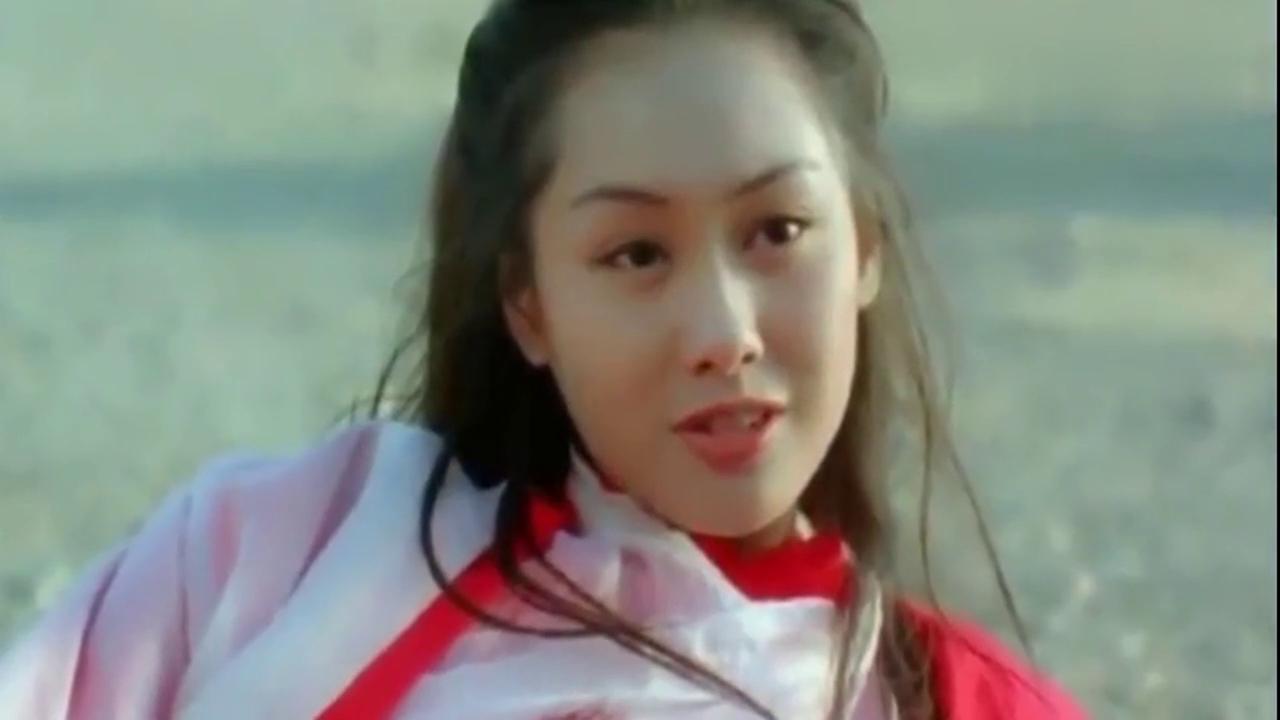 47岁朱茵老了,47岁洪欣老了,47岁闫妮老了,只有她仍像27岁