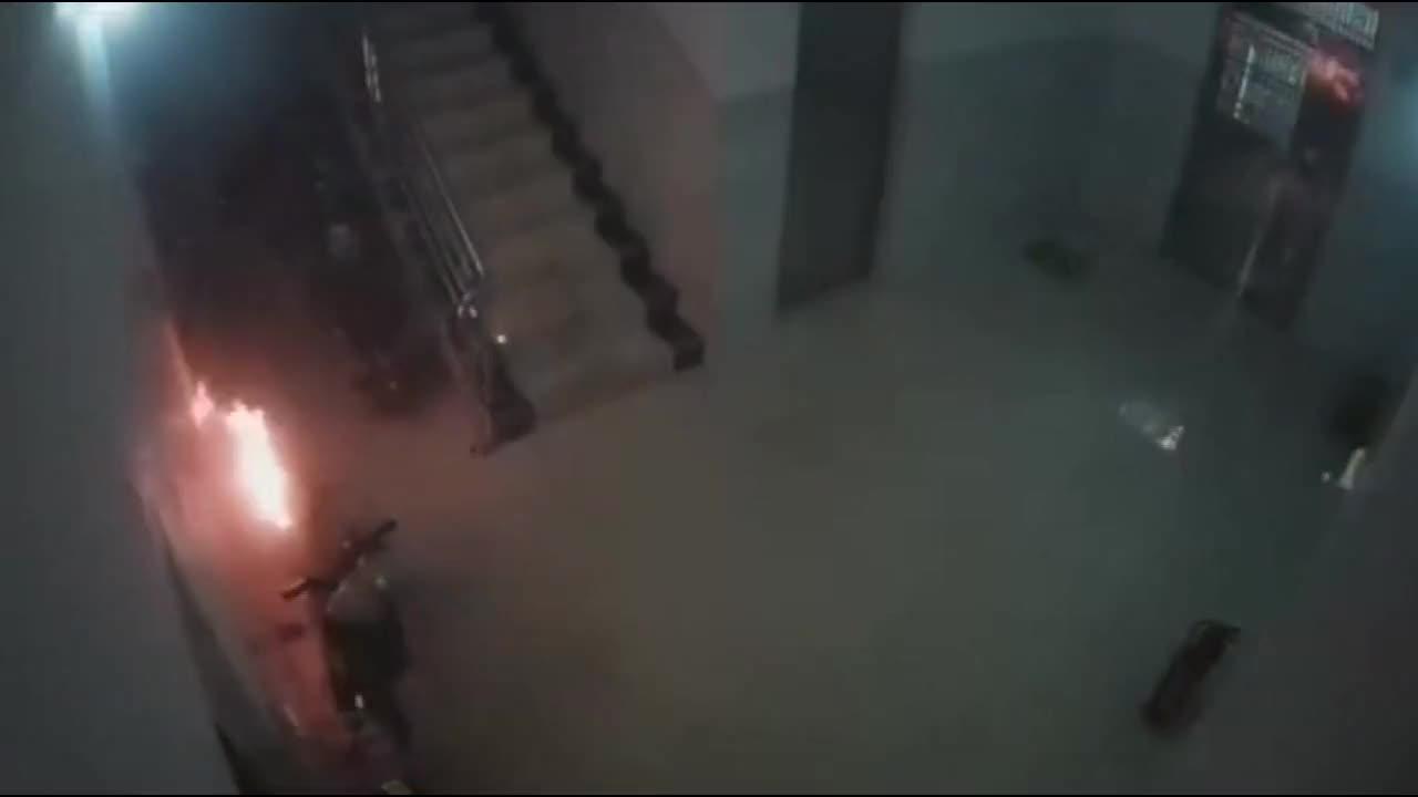 电动车楼道充电,起火爆炸,可怕一幕发生了!
