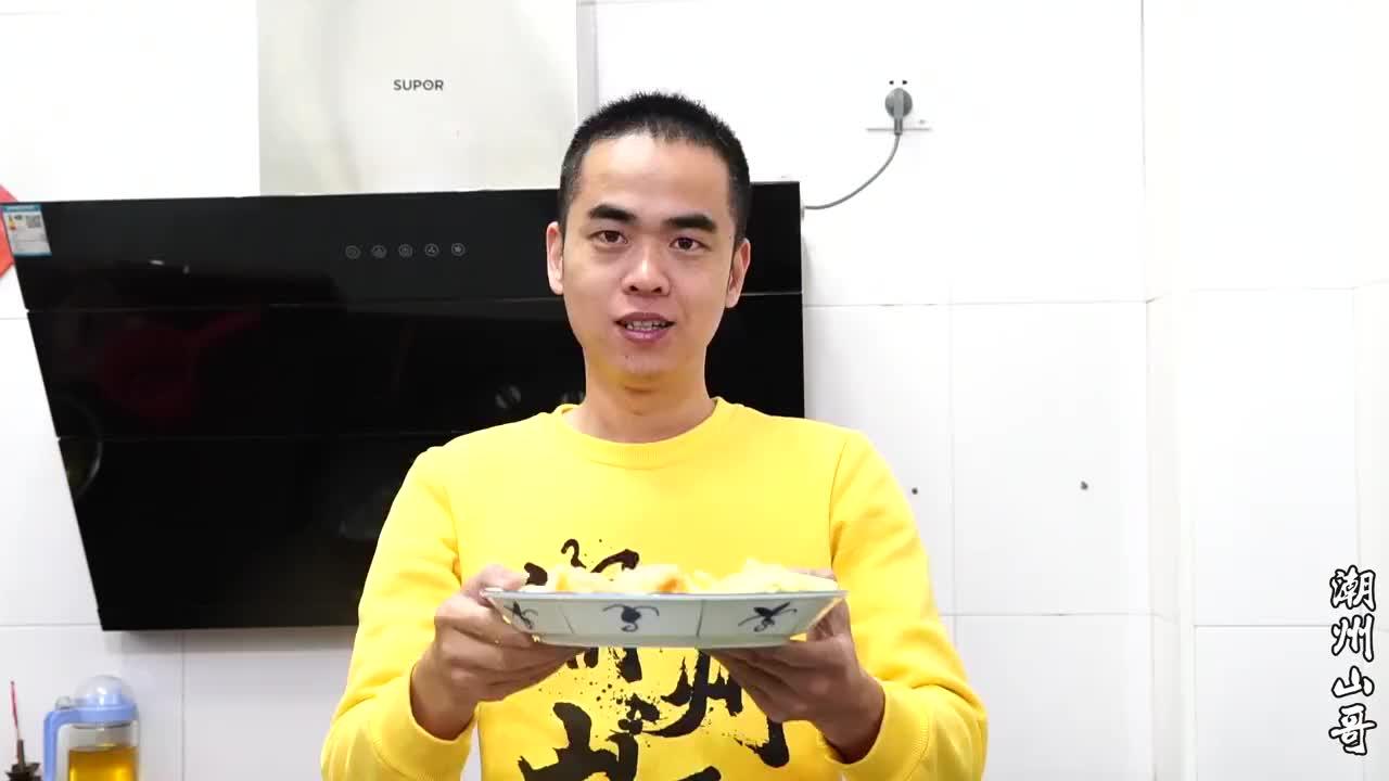 焖鱼鳔潮汕人宴客最受欢迎的菜谱之一满满的胶原蛋白