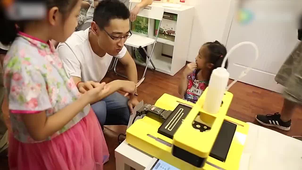清华博士辞职卖煎饼10分钟众筹50万这样卖煎饼不赚钱才怪