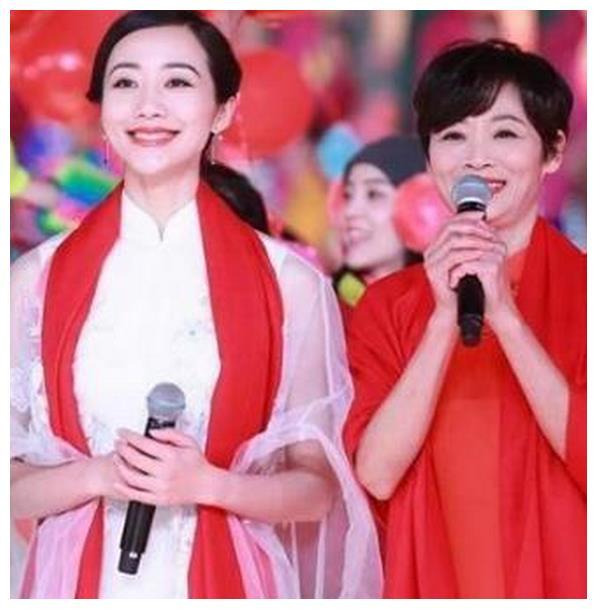 女星整没整容看妈妈就知道,谢娜是翻版,刘诗诗美炸了!