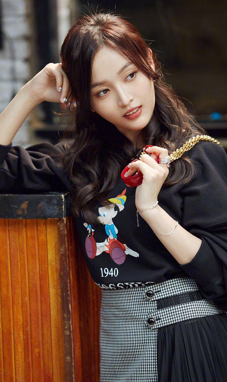 中国内地流行女歌手 吴宣仪