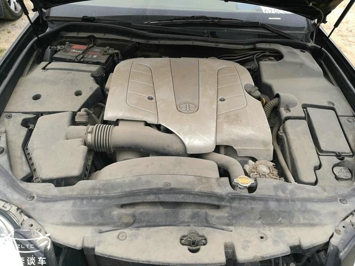 全国仅300辆,被誉为最漂亮的红旗,看到后备箱的V8,这车不一般