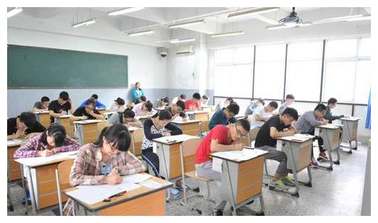 高考用答题卡答题,为何最后考生却不能带走试卷?说出来你别不信