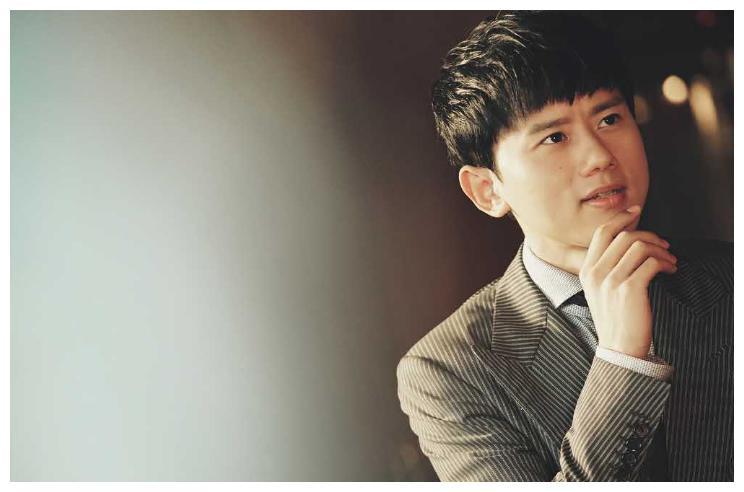 同样参加过《快乐男声》,陈翔,李炜,张杰差别真不是一般的大!